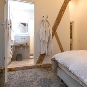 AnnaMarie bedroom 2, bathroom.